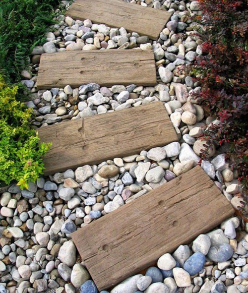 1000735_DIY-garden-path-wood-and-stone_1