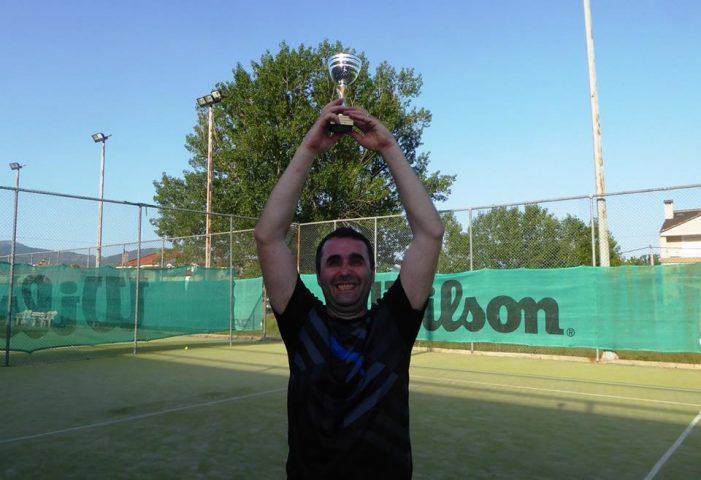 O Γιώργος Τούφας στην κορυφή του 3oυ Proteas Wannabe Tennis Tournament