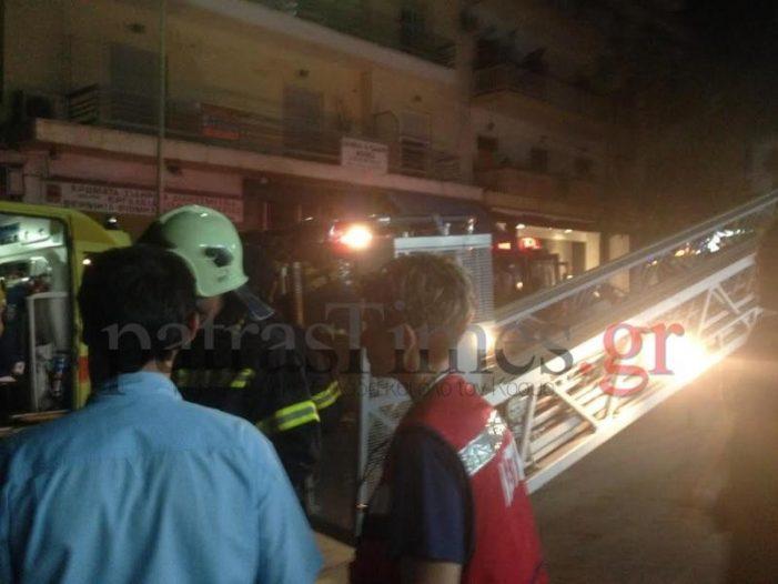 Νύχτα τρόμου στην Πάτρα: Πολυκατοικία πήρε φωτιά- Κινδύνευσαν 7 άνθρωποι (Photos)