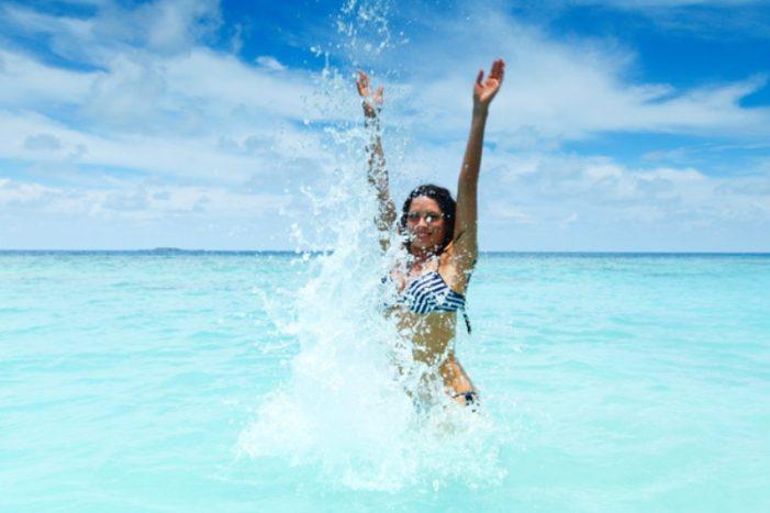 Τι να προσέχετε πριν μπείτε στη θάλασσα ή την πισίνα