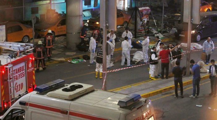 Ο τρόμος επέστρεψε στην Πόλη: 36 νεκροί στο μακελειό στο αεροδρόμιο