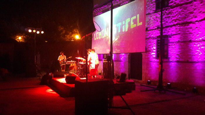 Φεστιβάλ της Αυλής: Μάγεψαν την Καστοριά οι Lemonostifel