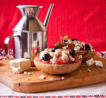 Οι θαυματουργές υπερτροφές της κρητικής κουζίνας