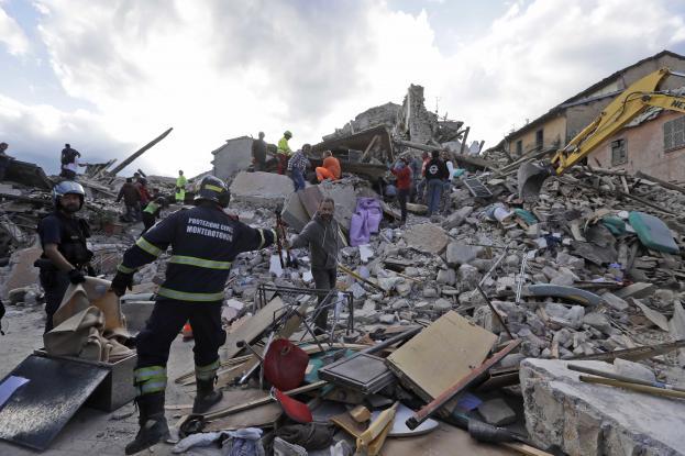 Τουλάχιστον 247 οι νεκροί του φονικού σεισμού που έπληξε την Ιταλία