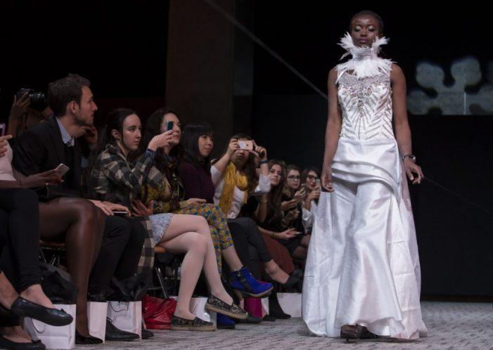 Τυφλά μοντέλα για πρώτη φορά στην Εβδομάδα Μόδας στο Παρίσι