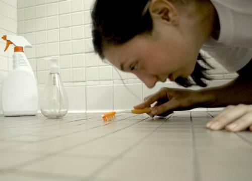 Έρευνα: Οι ιδεολογικά πιο συντηρητικοί νιώθουν περισσότερη αποστροφή για τα μικρόβια