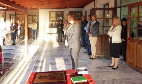 Η Μαρία Αντωνίου στην τελετή Αγιασμού του νεοϊδρυθέντος Ειδικού Επαγγελματικού Γυμνασίου Καστοριάς