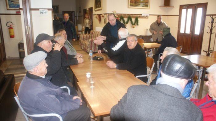 Επίσκεψη του Σωτήρη Αδαμόπουλου στο Γηροκομείο και στο ΚΑΠΗ