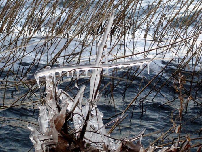 Βόλτα στην παγωμένη λίμνη (δια χειρός Βιβής Φαρσαλιώτου Ιατρού)
