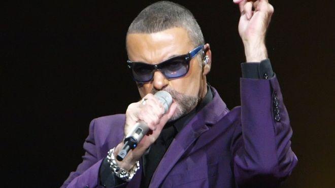 Πέθανε στα 53 του ο διάσημος τραγουδιστής Τζορτζ Μάικλ – Οι μεγάλες στιγμές στην καριέρα του (Video)