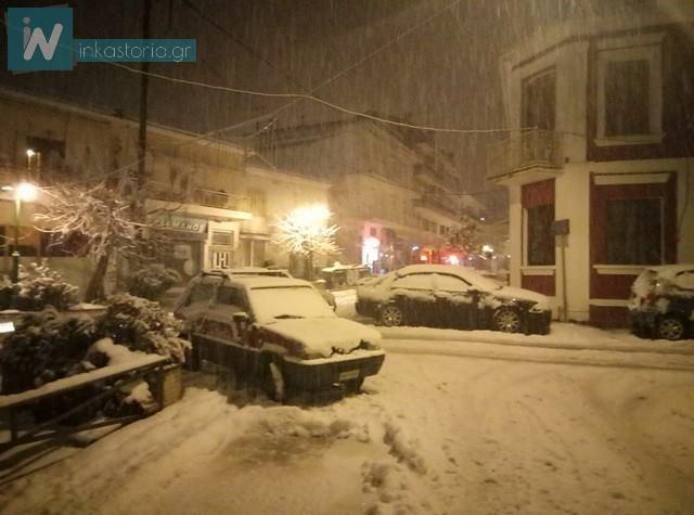 Σφοδρή χιονόπτωση τώρα στο Άργος Ορεστικό – Μεγάλη προσοχή στους δρόμους