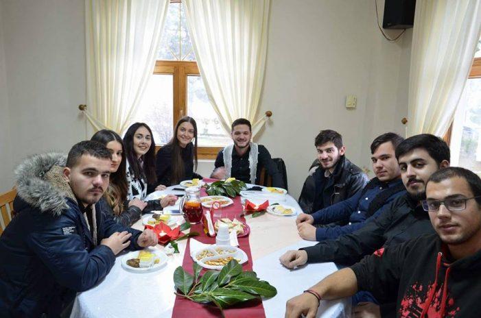 Άρωμα Κρήτης στην κοπή πίτας του Συλλόγου Κωσταραζίου