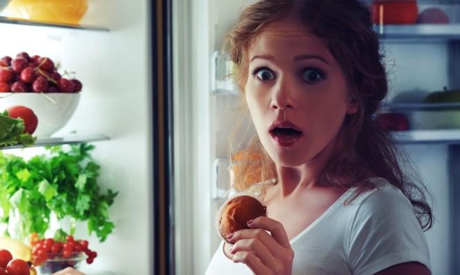 Τι να ΜΗΝ τρώτε μετά τις 10 το βράδυ