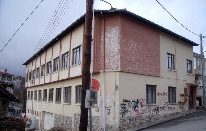 Καστοριά: Αναξοιοποίητα τα κτίρια της πόλης (φωτογραφίες)
