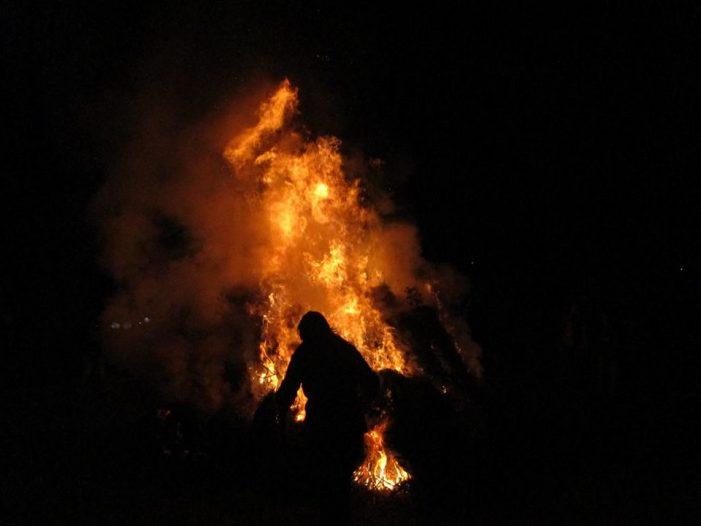Άναψε και φέτος η χαραμπουτζούνα στη Λάγκα! (φωτογραφίες)
