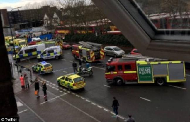 Τρόμος (και) στο Λονδίνο – Αυτοκίνητο παρέσυρε πεζούς