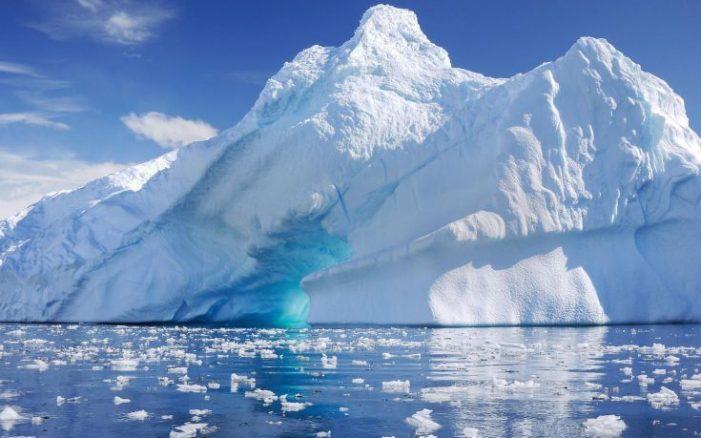 Σε ασυνήθιστα χαμηλά επίπεδα οι θαλάσσιοι πάγοι σε Αρκτική και Ανταρκτική