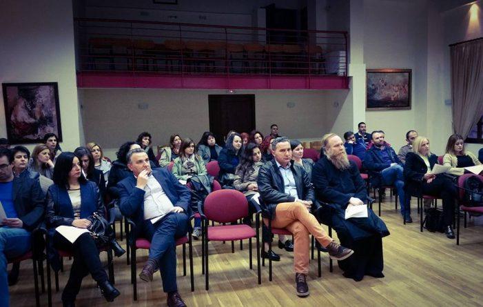 Άργος: Εκδήλωση «Ελεύθεροι παγιδευμένοι σε έναν κόσμο ψηφιακό» (φωτο)