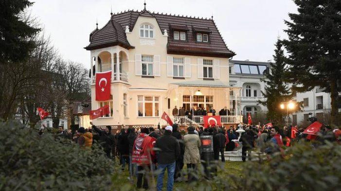 Πολιτικό άσυλο στην Ελβετία ζητούν Τούρκοι διπλωμάτες