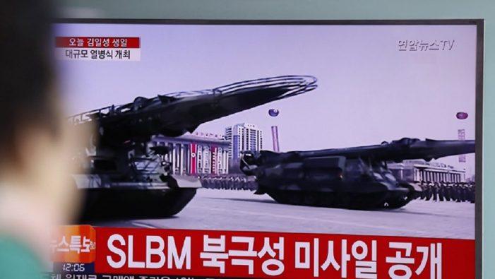 Η Β.Κορέα απειλεί να βυθίσει αεροπλανοφόρο των ΗΠΑ