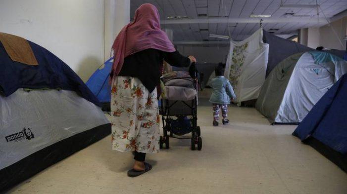 ΟΑΕΔ: Προσλήψεις 1.882 ανέργων σε κέντρα προσωρινής φιλοξενίας προσφύγων