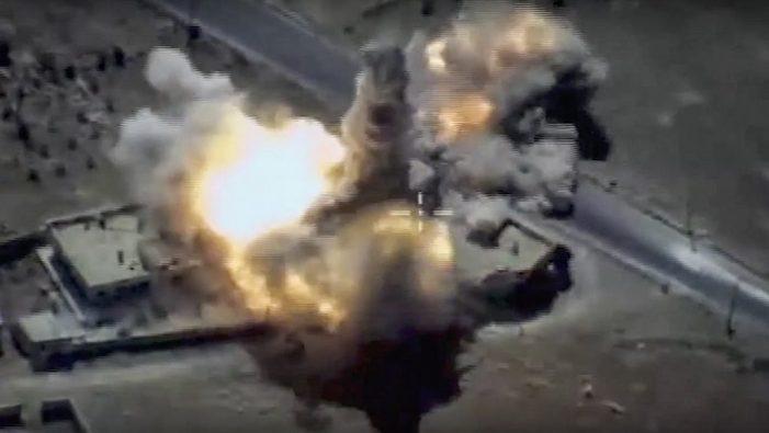 Συρία: Δεκάδες άμαχοι νεκροί από αεροπορικές επιθέσεις κατά του ΙΚ