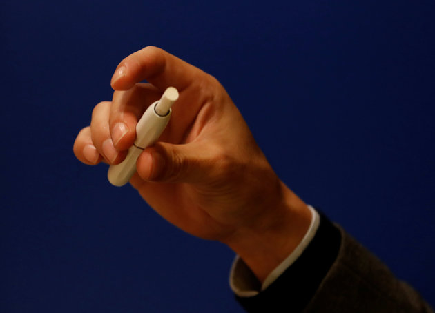 Ρεπορτάζ του Reuters για το ηλεκτρονικό τσιγάρο της Philip Morris και τα προβλήματα που παρατηρήθηκαν