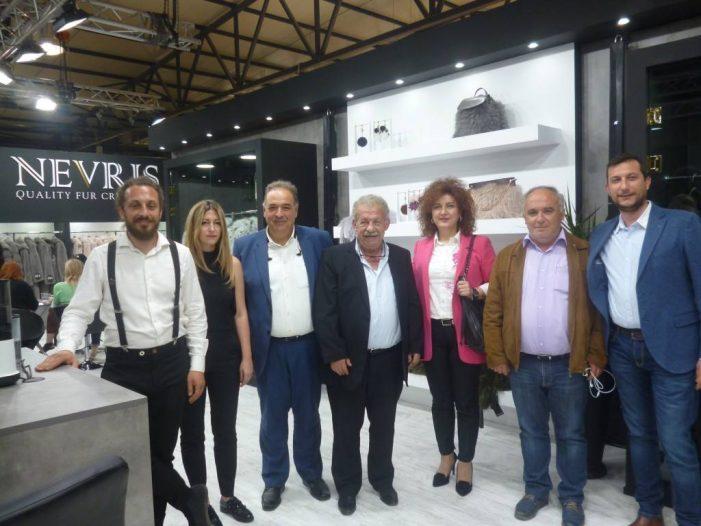 Αντιπρόσωποι του Δήμου Άργους Ορεστικού στα εγκαίνια της έκθεσης γούνας