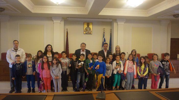 Τον Δήμαρχο Καστοριάς επισκέφθηκε το 10ο Δημοτικό Σχολείο Καστοριάς