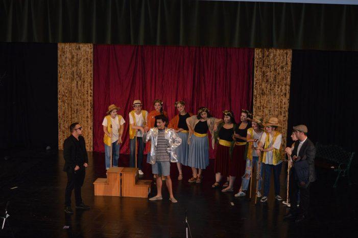 """Συγκλόνισε η παράσταση """"Πλούτος"""" της Θεατρικής Ομάδας ΓΕΛ Άργους Ορεστικού (φωτογραφίες)"""