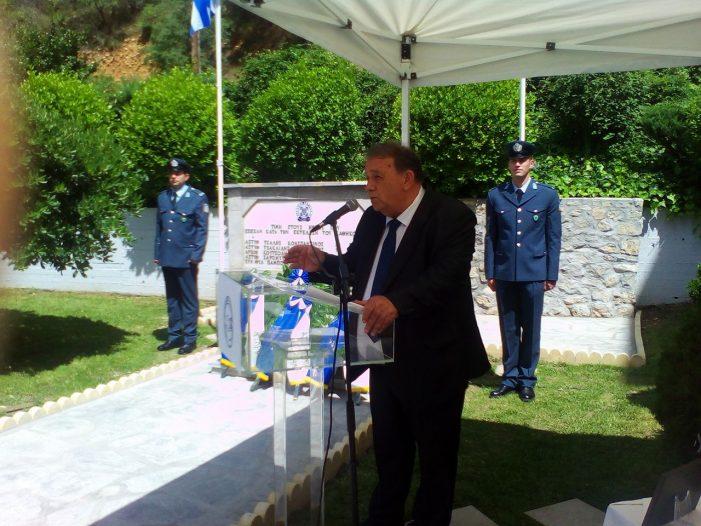 Ο Δήμαρχος Καστοριάς στην εκδήλωση για τους πεσόντες αστυνομικούς Καστοριάς