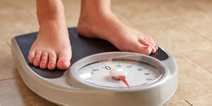 10 τρόποι για τεμπέληδες που θέλουν να χάσουν βάρος [video]