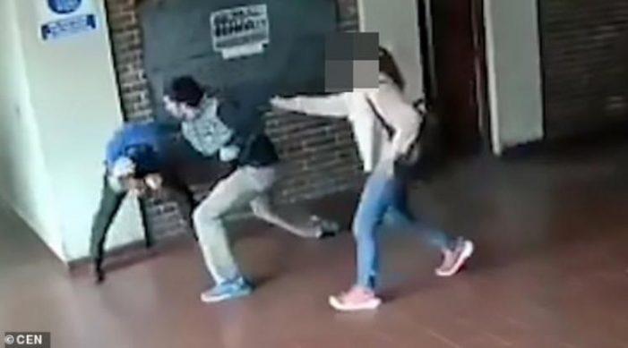 Πατέρας ξυλοκόπησε δάσκαλο που παρενοχλούσε σεξουαλικά την κόρη του (video)