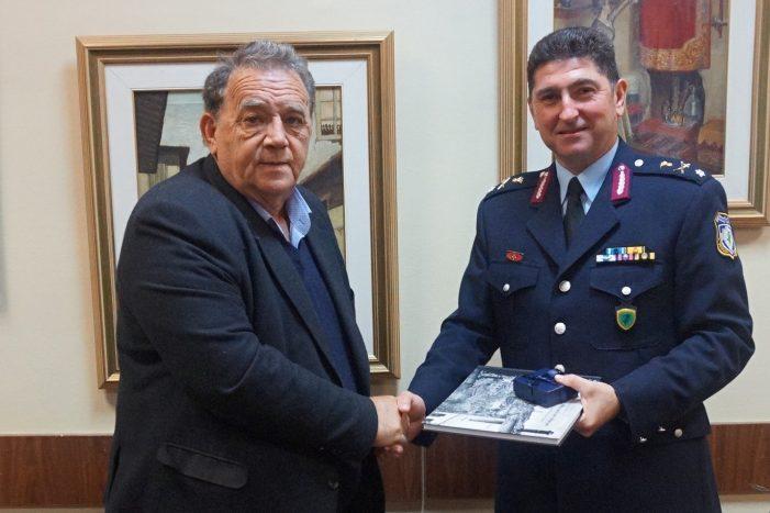 Εθιμοτυπική επίσκεψη στον Δήμαρχο Καστοριάς ο Ταξίαρχος Δημήτριος Σιορέντας