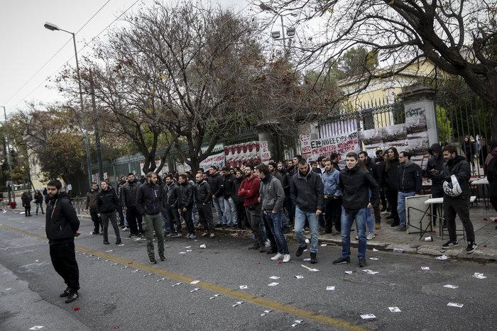 Προπηλάκισαν υπουργούς & βουλευτές του ΣΥΡΙΖΑ στο Πολυτεχνείο
