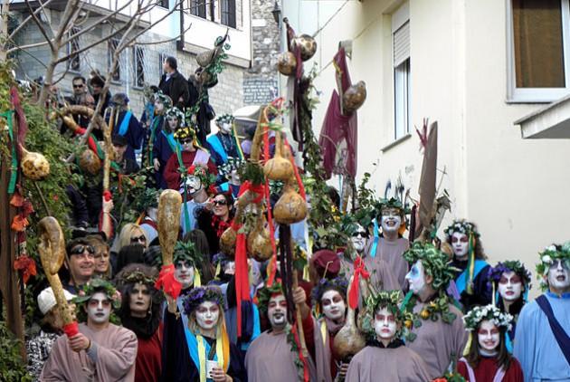 Δήμος Καστοριάς: Συνάντηση με παρέες καρναβαλιστών