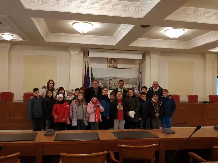 Επίσκεψη του 5ου Δημοτικού σχολείου Καστοριάς στον Δήμαρχο Καστοριάς
