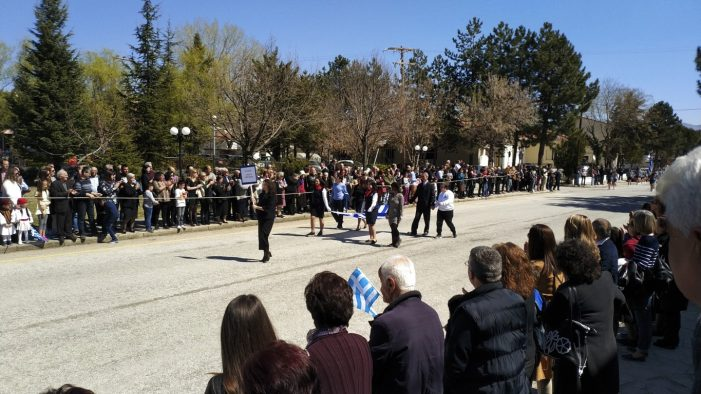 Άργος Ορεστικό: Παρέλαση 25ης Μαρτίου (photo+video)