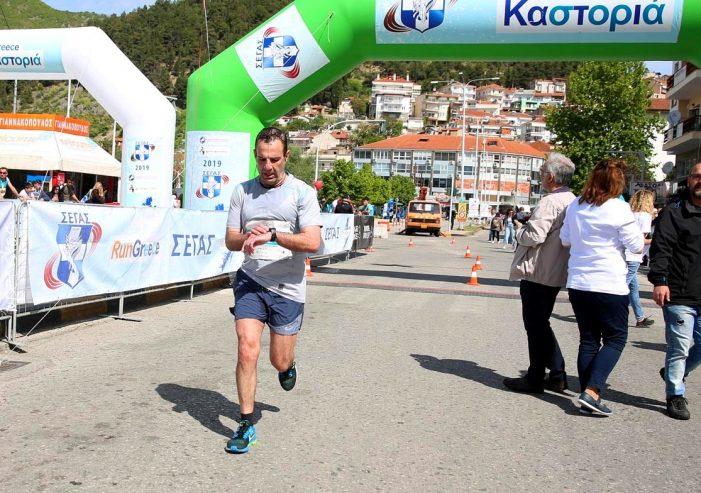 Ο Γιάννης Κορεντσίδης στο Run Greece Καστοριάς