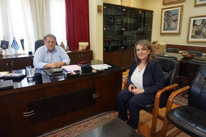Επίσκεψη της Ο. Τελιγιορίδου στον Δήμαρχο Καστοριάς