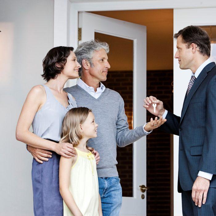 4 συμβουλές για να επιλέξετε το τον κατάλληλο μεσιτικό γραφείο για την αγορά ή την πώληση του σπιτιού σας