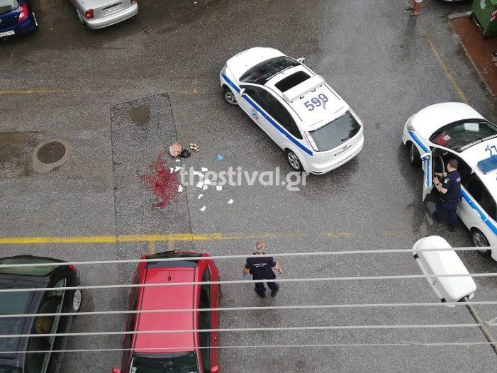 Θεσσαλονίκη: Επιτέθηκε με τσεκούρι σε πεζή – Την τραυμάτισε σοβαρά (Photos)
