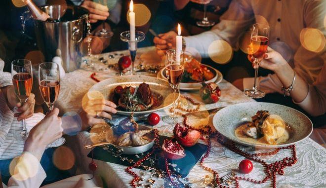 Χριστούγεννα: Φθινότερο φέτος το εορταστικό τραπέζι – Πόσο θα στοιχίσει