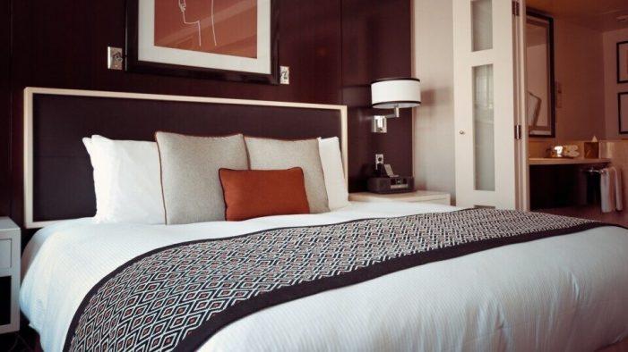 Ο ΟΑΕΔ ανοίγει πρόγραμμα επιχορήγησης εποχικών ξενοδοχειακών επιχειρήσεων