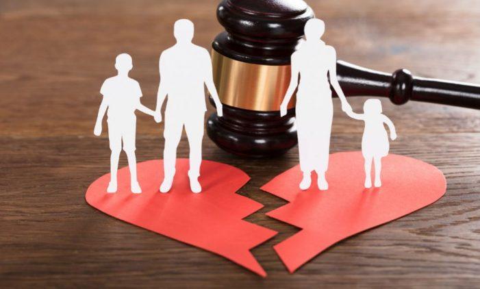 Διαζύγιο: Κινδυνεύουν περισσότερο όσοι δουλεύουν πολλές ώρες