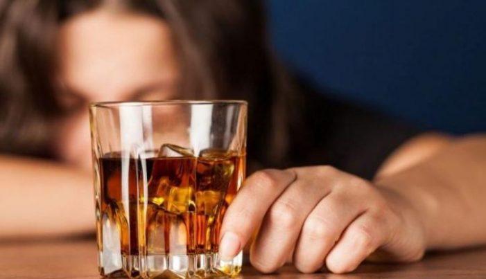 Μετά τον αντικαπνιστικό έρχεται ποταπαγόρευση: «Φρένο» και στο αλκοόλ