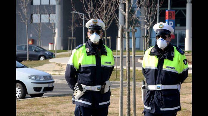 Κορωνοϊός: Πώς θα φτιάξεις μάσκα προστασίας μόνος σου! (Video)