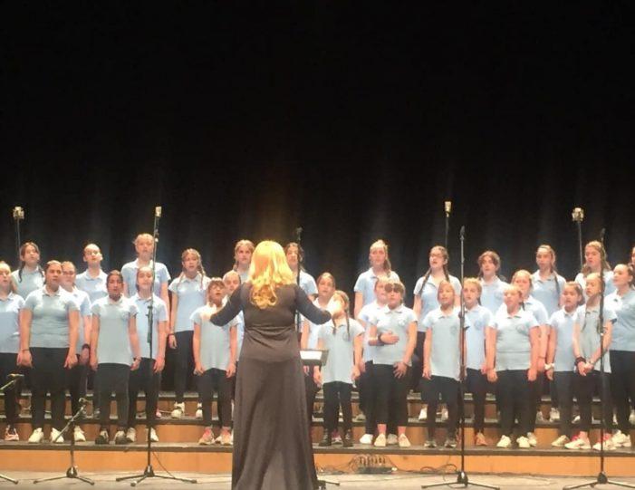 """Η Νεανική Χορωδία του Μορφωτικού Συλλόγου """"Η Ορεστίς"""" στο 12ο Διεθνές Φεστιβάλ Φιλαρμονικών Χορωδιών και Ορχηστρών στο Μέγαρο Μουσικής Θεσσαλονίκης"""
