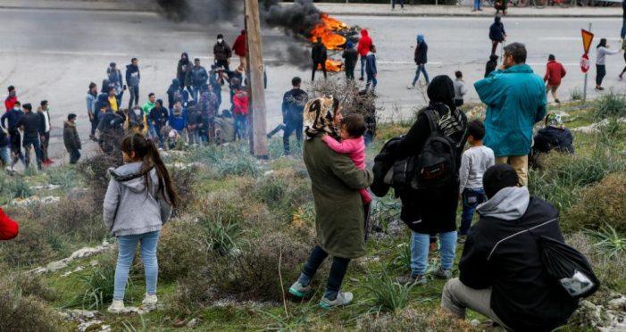 Οργή και αγανάκτηση στους πρόσφυγες για το νέο νόμου ασύλου