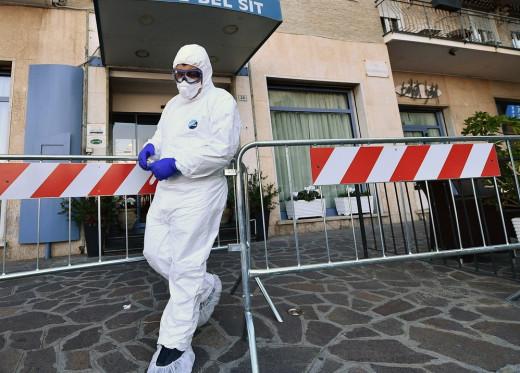 Ιταλία: Πέθανε ο άντρας της και είναι εγκλωβισμένη με το πτώμα του λόγω καραντίνας